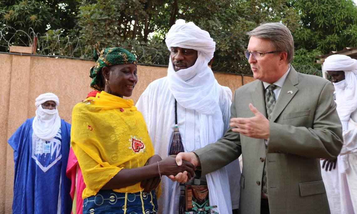 Le Niger Se Lève:  Progrès du peuple, par le peuple, pour le peuple