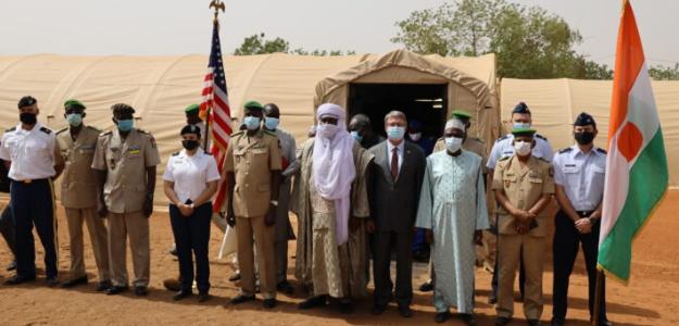 Camp Garba Hassane: Cérémonie de réception de l'hôpital de campagne mobile