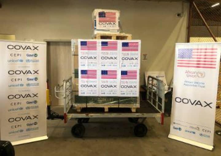 Les États-Unis font un autre don de 151.200 vaccins anti-COVID-19 au Niger.